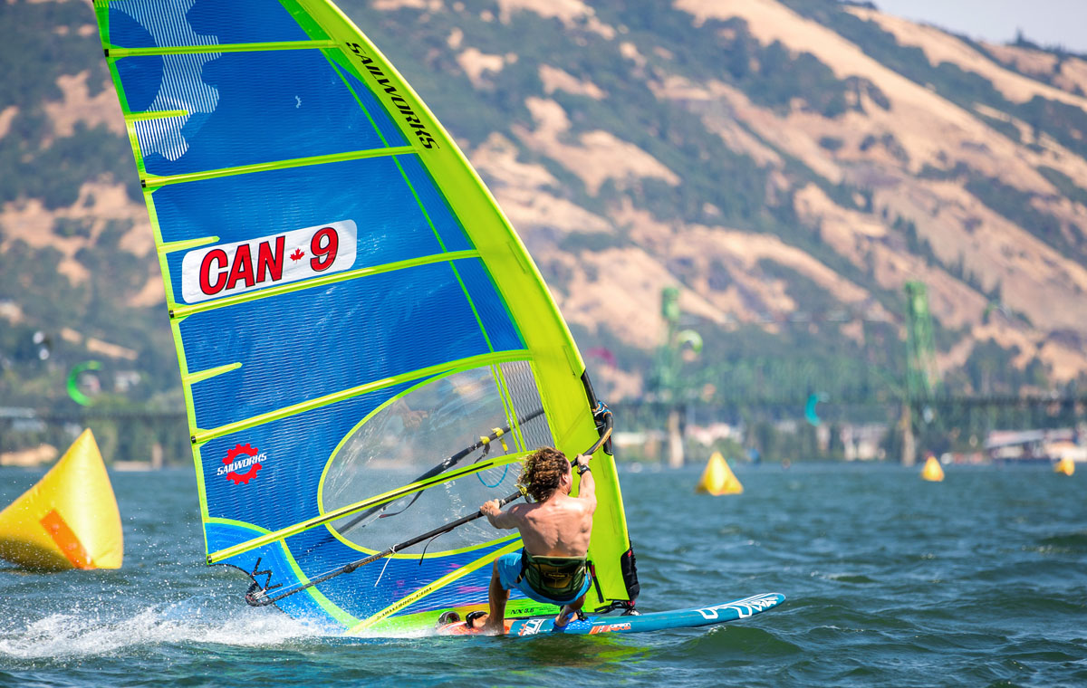 Phil Soltysiak windsurfing on the Sailworks NX slalom windsurfing race sail